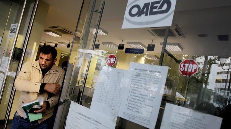 El desempleo baja una décima en la eurozona y en la UE en mayo