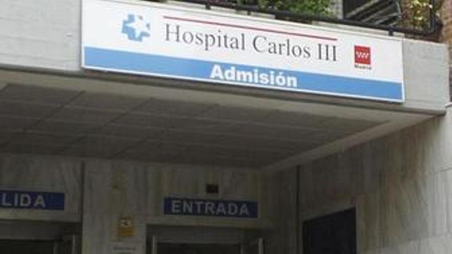 Hospital Carlos III, camilla, gripe