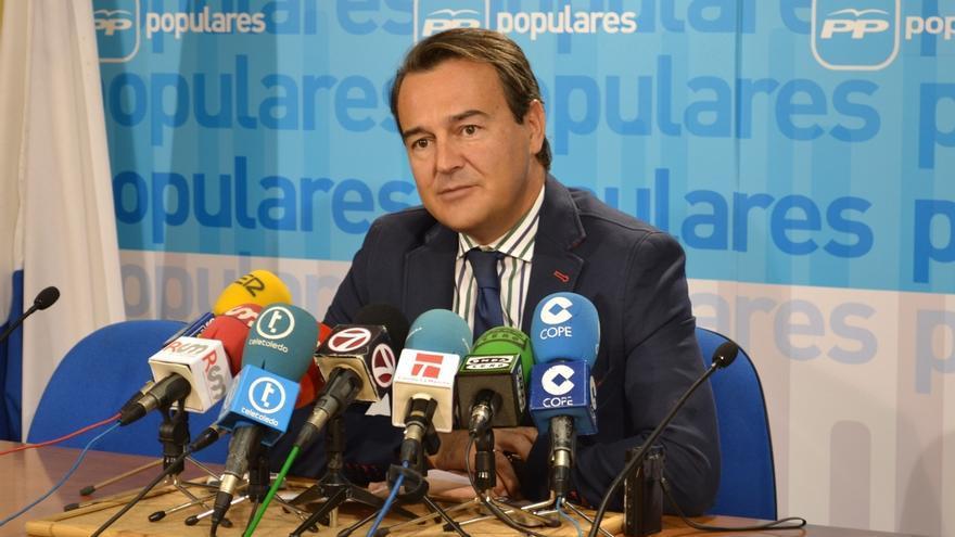 El PP no ve ilegalidad en las actividades extra de Agustín Conde, pero le aconseja actualizar su declaración