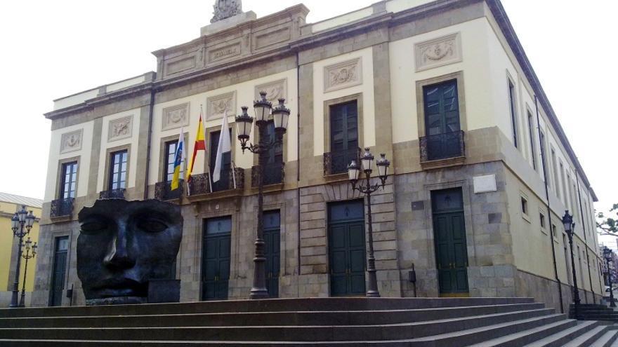 Fachada del Teatro Guimerá, en Santa Cruz de Tenerife