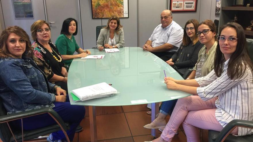 Dirección del ente junto a representantes de los trabajadores