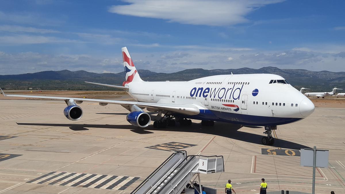 Boeing 747 de British Airways en el aeropuerto de Castellón antes de su desmantelamiento.