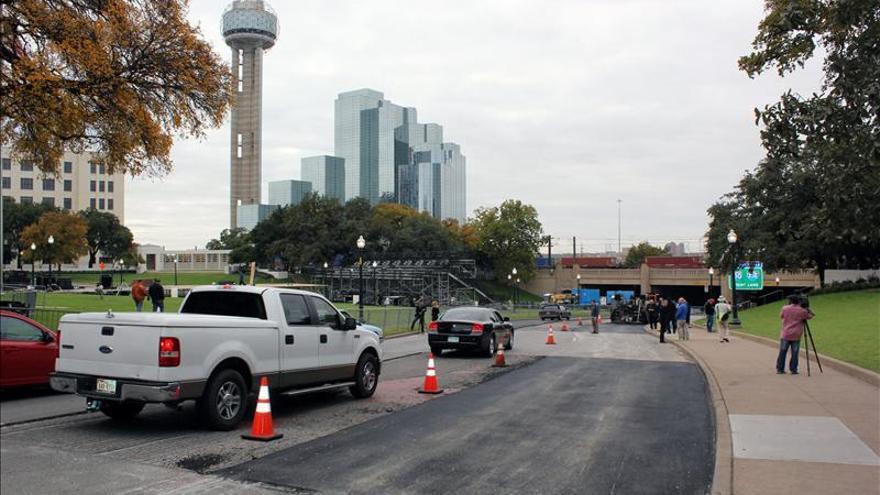 Reaparece en Dallas una cruz que marca el punto donde fue disparado Kennedy