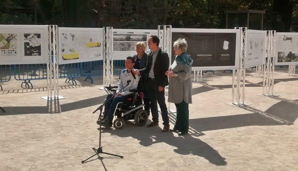 Un momento de la presentación, con Carmena y Pablo Soto | SOMOS MALASAÑA
