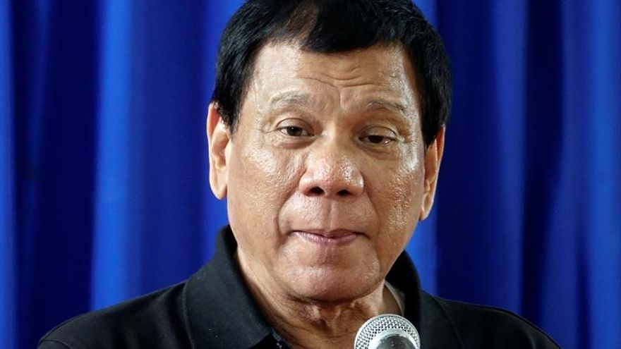 """Duterte promete dimitir si se demuestra que ocultó millones en dinero """"negro"""""""