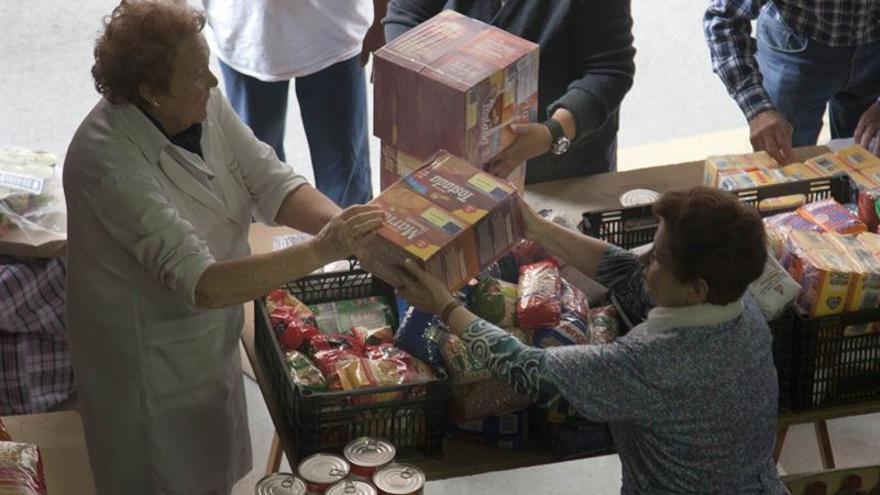 El programa de ayuda alimentaria reparte en Cantabria un millón de kilos.