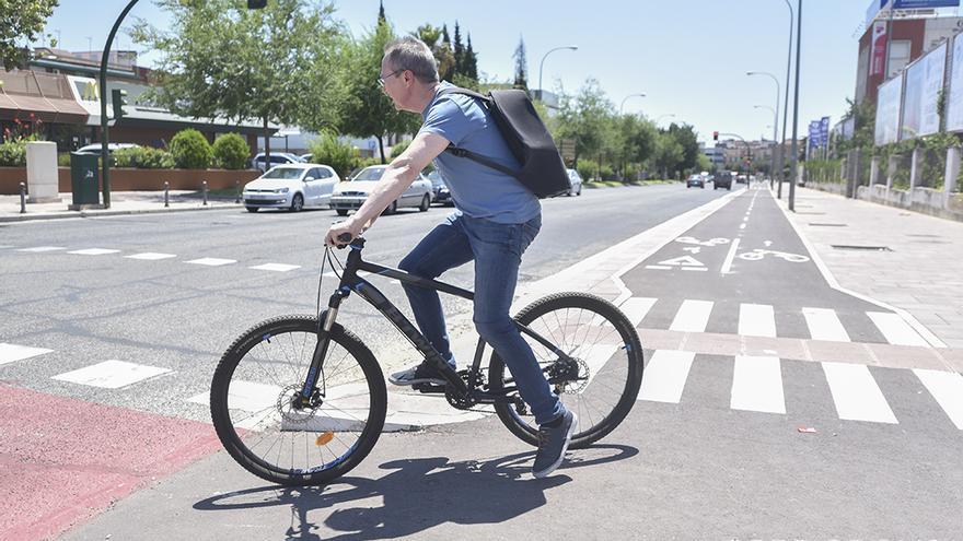 Tramo de nuevo carril bici en El Brillante   TONI BLANCO