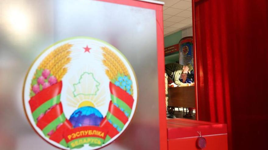 Bielorrusia celebra elecciones legislativas con pocas opciones para la oposición