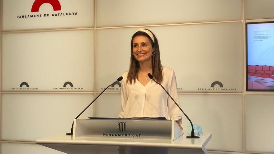 La diputada del PP en el Parlament Lorena Roldán a 29 de junio de 2021 en rueda de prensa en el Parlament