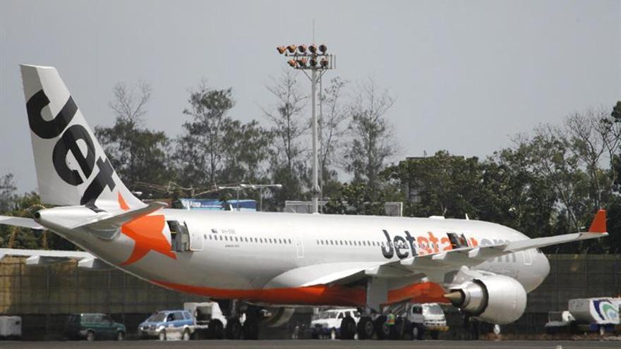 Un avión efectúa un aterrizaje forzoso en Australia por humo en el interior
