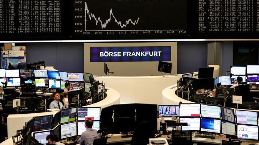 La Bolsa de Fráncfort baja un 0,13 % en la apertura