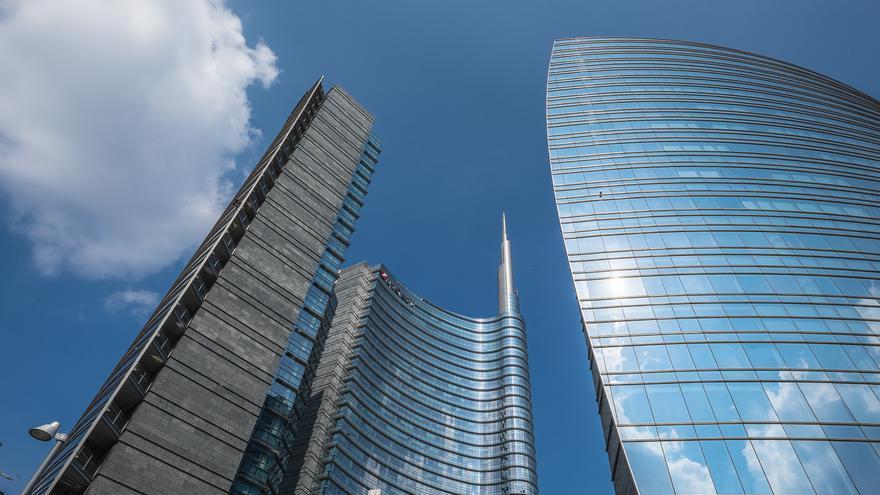 La torre Pelli, rascielos sostenible diseñado por César Pelli, y símbolo del barrio Garibaldi / Lorenzoclick