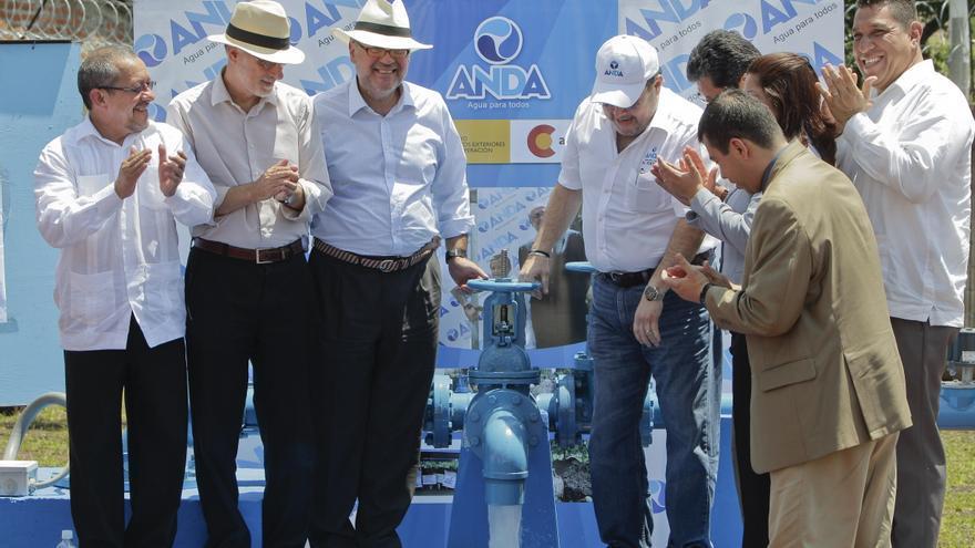España inaugura un proyecto de agua por 16 millones de dólares en El Salvador