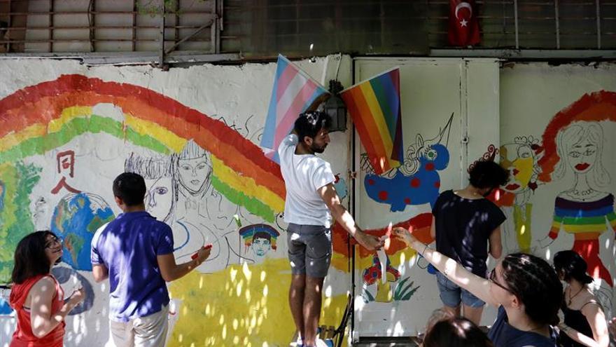 """Estambul prohíbe la Marcha del Orgullo Gay por """"seguridad de los turistas"""""""