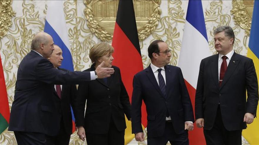 Los líderes se retiran a cenar y se toman una pausa en la cumbre de Minsk