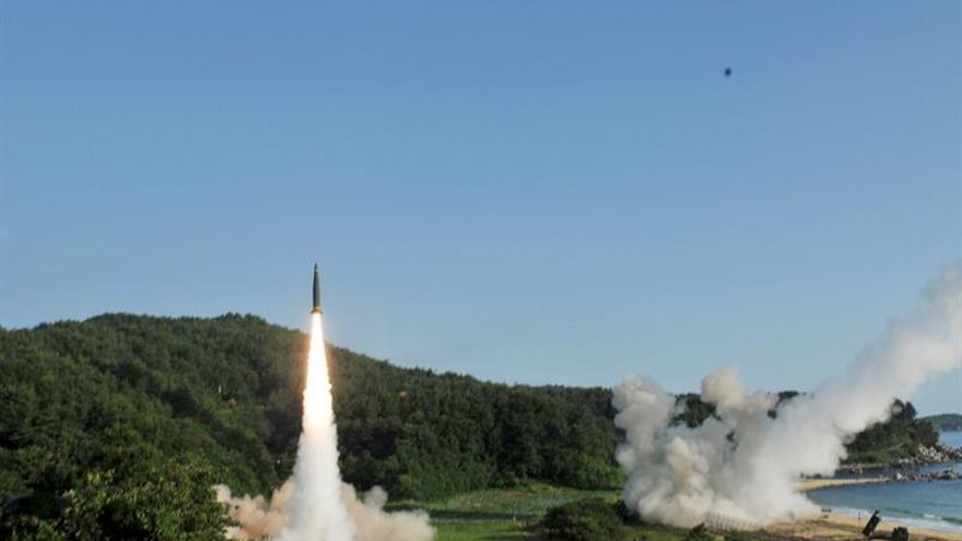 Seúl y Washington realizan ensayos de misiles tras el test norcoreano