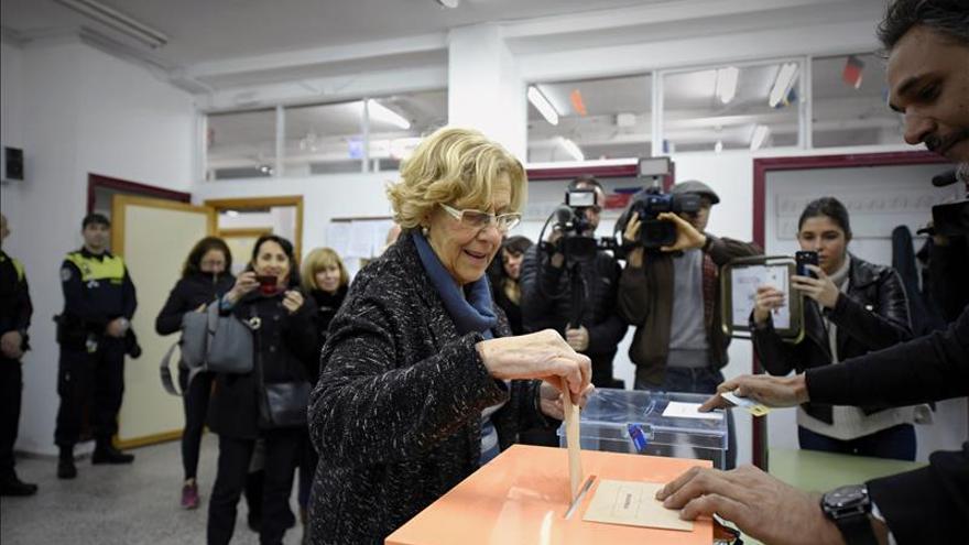 Carmena ve hermoso que haya un ambiente de cambio para reforzar la democracia