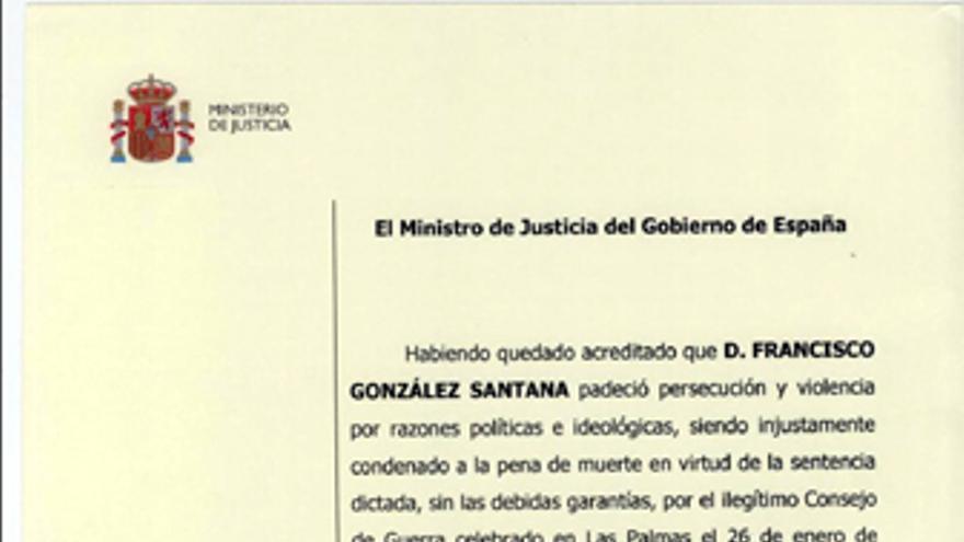 Certificado de Reparación y Reconocimiento a Francisco González Santana.