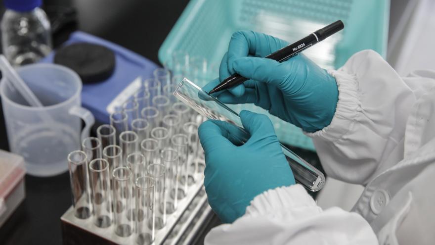 """Hungría comprará vacunas """"no occidentales"""" si llegan antes en gran cantidad"""