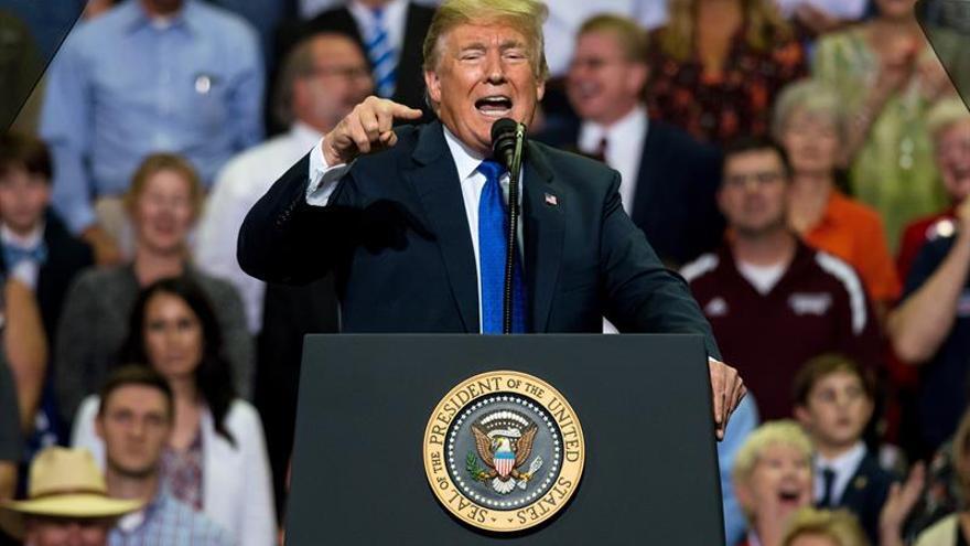La carrera política de Trump eleva el odio en EE.UU. a niveles récord, dice un informe