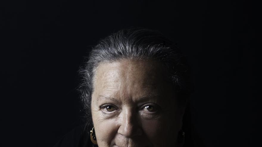 La escritora Elsa López.