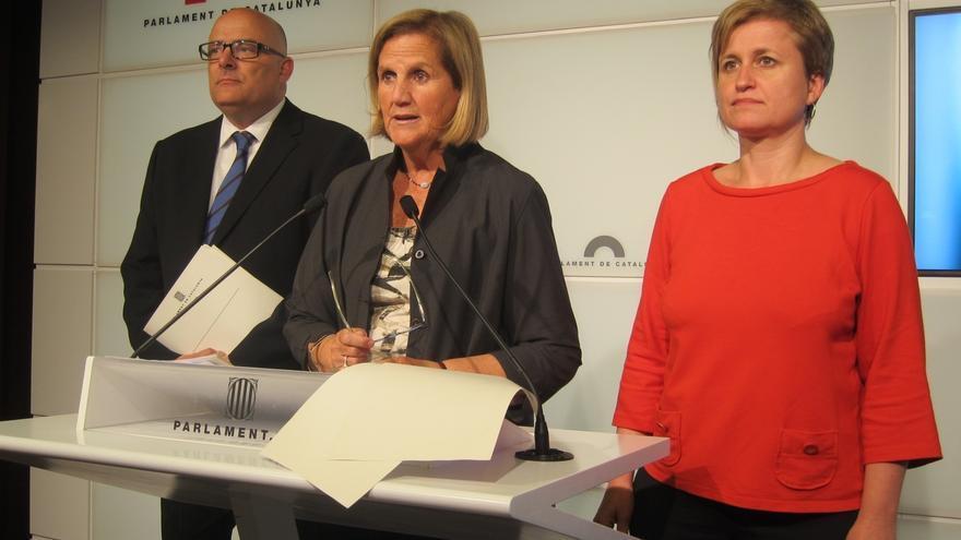 La presidenta del Parlament catalán prevé constituir la comisión sobre el 'derecho a decidir' en dos semanas
