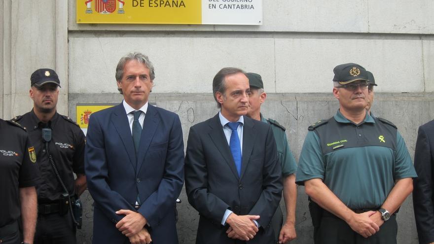 """De la Serna destaca la """"unidad"""", dice que """"el riesgo nunca es cero"""" y llama a luchar contra los """"asesinos"""""""