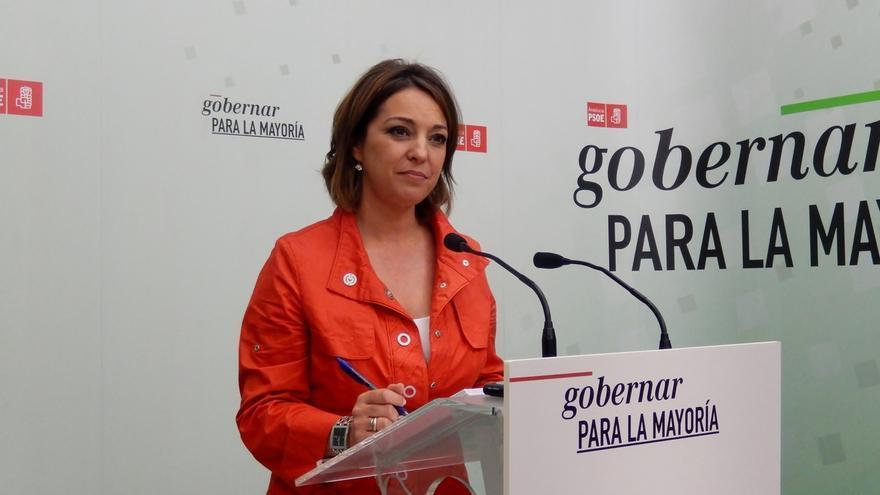 Isabel Ambrosio (PSOE) se compromete a estrechar los lazos con la comunidad educativa