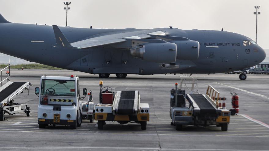 El caos hace casi imposible el acceso a los vuelos de evacuación en Kabul