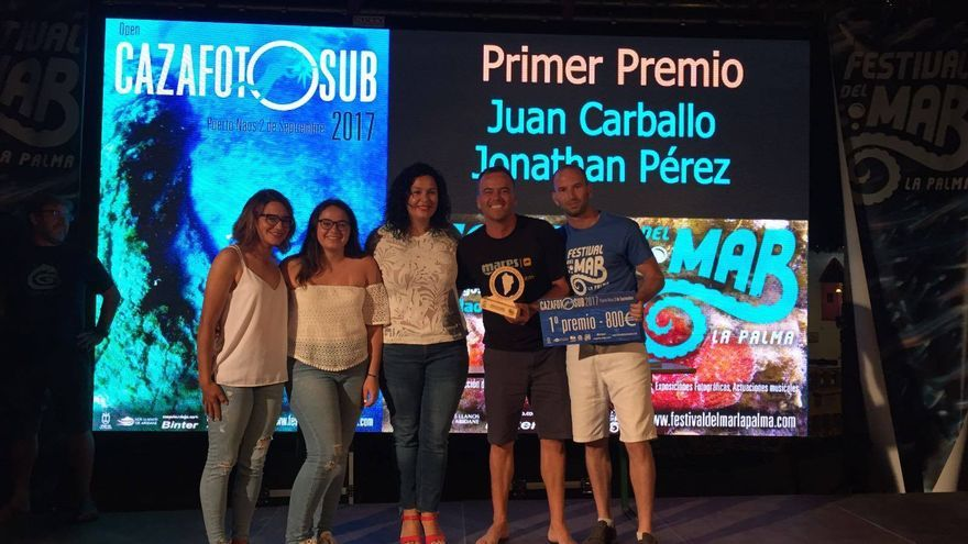 En la imagen, algunos de los premiados en los concursos del Festival del Mar.
