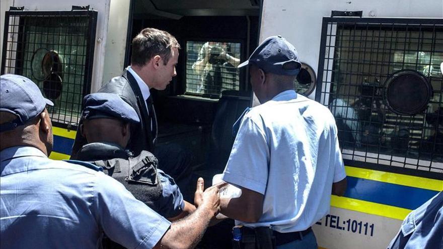 La Fiscalía pide condenar a Pistorius por asesinato y elevar su pena a 15 años
