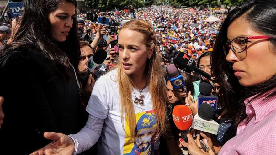 """Tintori dice que """"casa por cárcel"""" a López fue para garantizar su vida"""