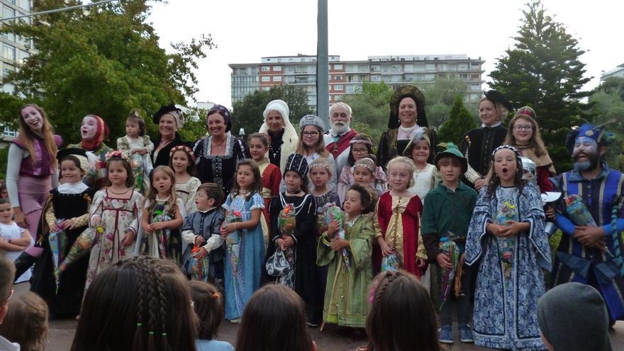 Veinte participantes en el V Concurso-Desfile de Trajes Infantiles Renancentistas