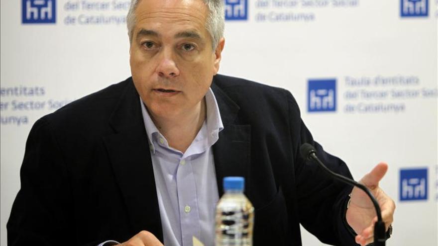 PSOE y PSC huyen del choque de trenes y exploran su propia vía