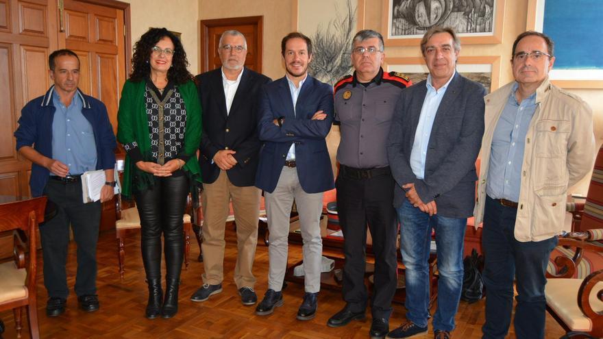 Primer encuentro de trabajo para abordar cuestiones relativas a seguridad y emergencias entre el Cabildo de La Palma y Gobierno de canarias.