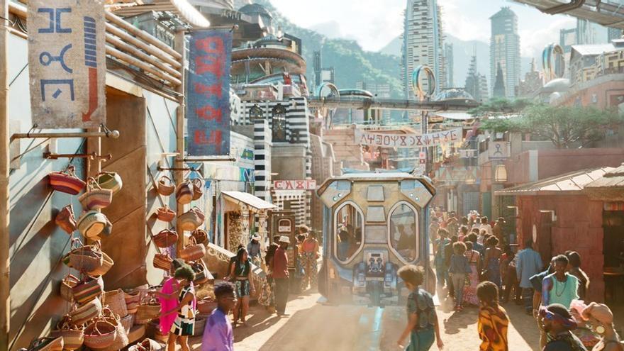 ¿Es el tranvía de la Diagonal de Barcelona o el que recorre las calles de Golden City, Wakanda?