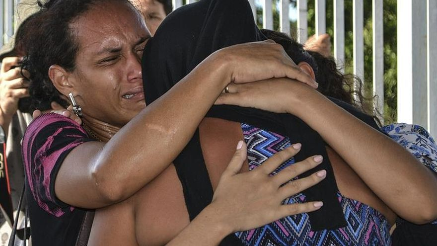 Más de cien presos continúan fugitivos en Brasil tras masacres en cárceles