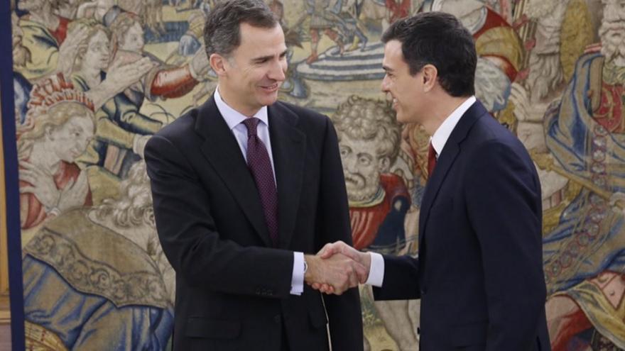El rey recibe por segunda vez a Pedro Sánchez en Zarzuela. Foto: Twitter Casa Real