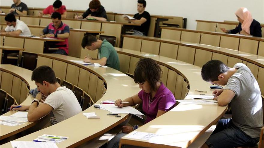 Un examen de Selectividad en una universidad española.