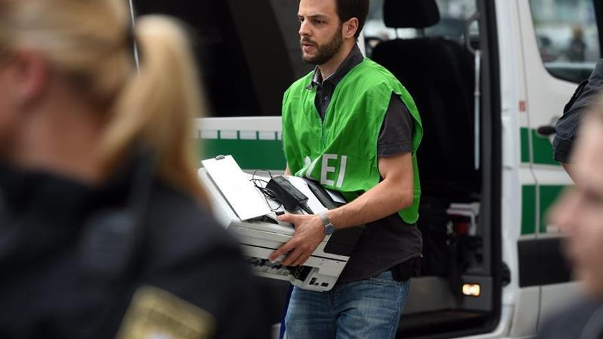 La policía descarta vínculos entre el tiroteo de Múnich y el EI y baraja un ataque de locura