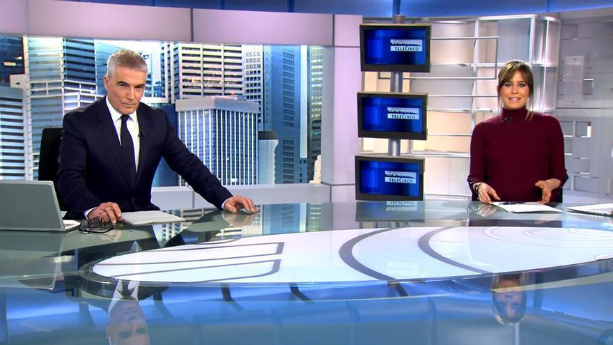 David Cantero e Isabel Jiménez, en 'Informativos Telecinco'