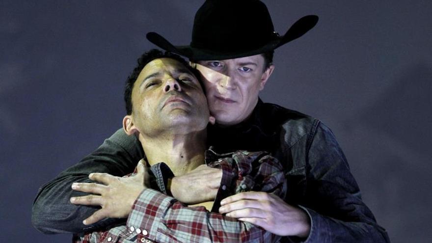 """El duro viaje al deseo de """"Brokeback Mountain"""" se gradua como ópera con éxito"""