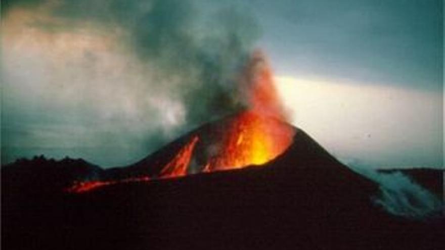 Imagen de arcivo del volcán de Teneguía.