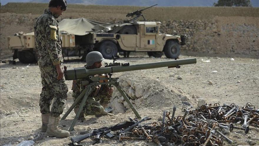 Muere el líder de los talibanes paquistaníes en el ataque de un dron de EEUU en Afganistán