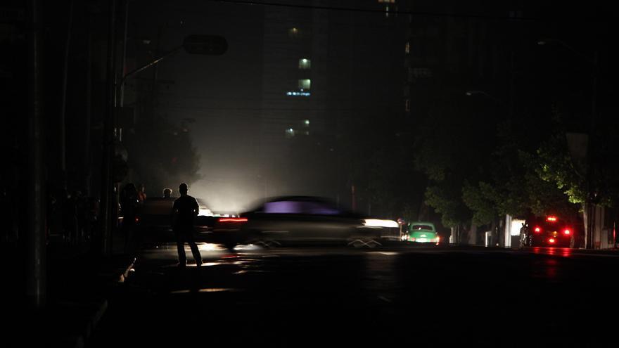 Cuba se recupera del apagón por una avería que dejó sin luz a la mitad de la isla