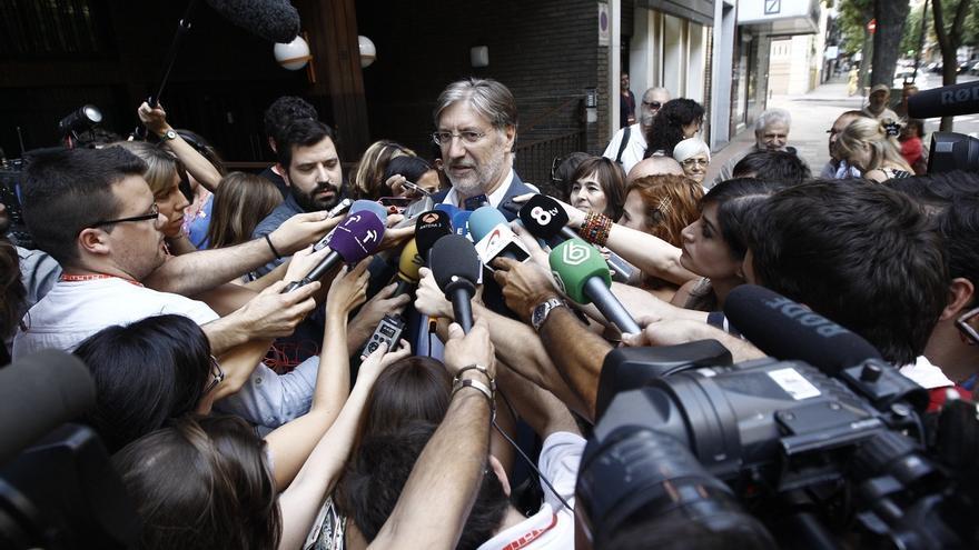 Izquierda Socialista, en manos de una gestora tras la dimisión de Pérez Tapias y duras críticas de sus exportavoces