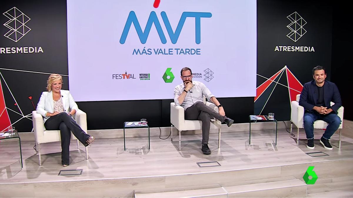 Cristina Pardo, César G. Antón e Iñaki López presentan 'Más vale tarde'