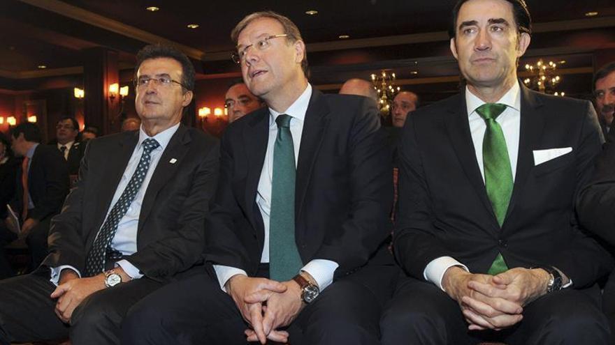El alcalde de León, Antonio Silván, aclara que no dimite