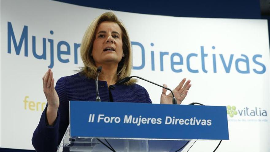 Fátima Báñez: El paro cae al mayor ritmo trimestral de toda la historia