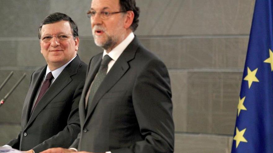 Rajoy dice que habrá un sistema fiscal más sencillo que impulse el desarrollo